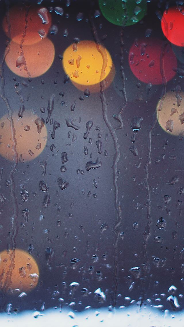 Rainy Bokeh Lights IPhone Se Wallpaper