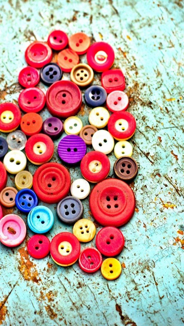 Buttons Heart iPhone se wallpaper