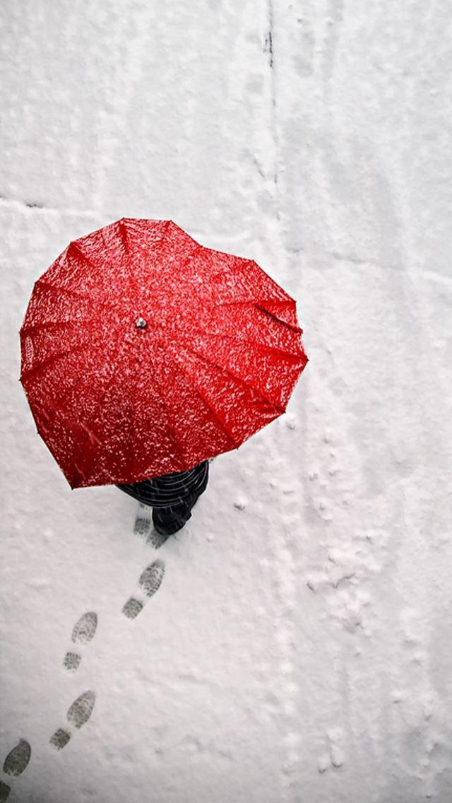 Red Heart Shaped Umbrella IPhone Se Wallpaper