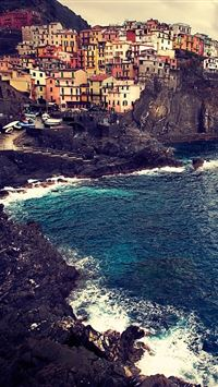 Beautiful Manarola iPhone wallpaper