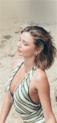 Girl Miranda Kerr Beach Summer iPhone X wallpaper