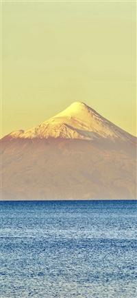 Snow Mountain Yellow Blue Sea iPhone X wallpaper