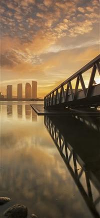 City night iPhone X wallpaper
