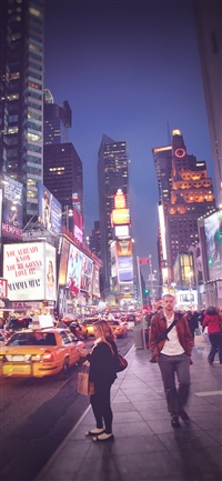 New York street night city vignette iPhone X wallpaper