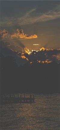 sun iPhone X wallpaper