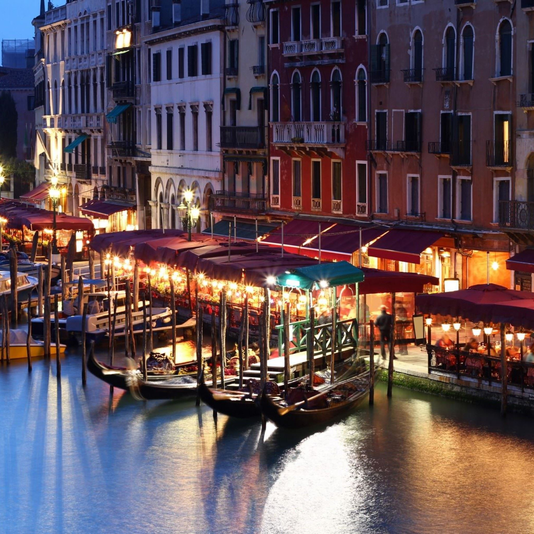 Venice Italy Building House iPad Air wallpaper