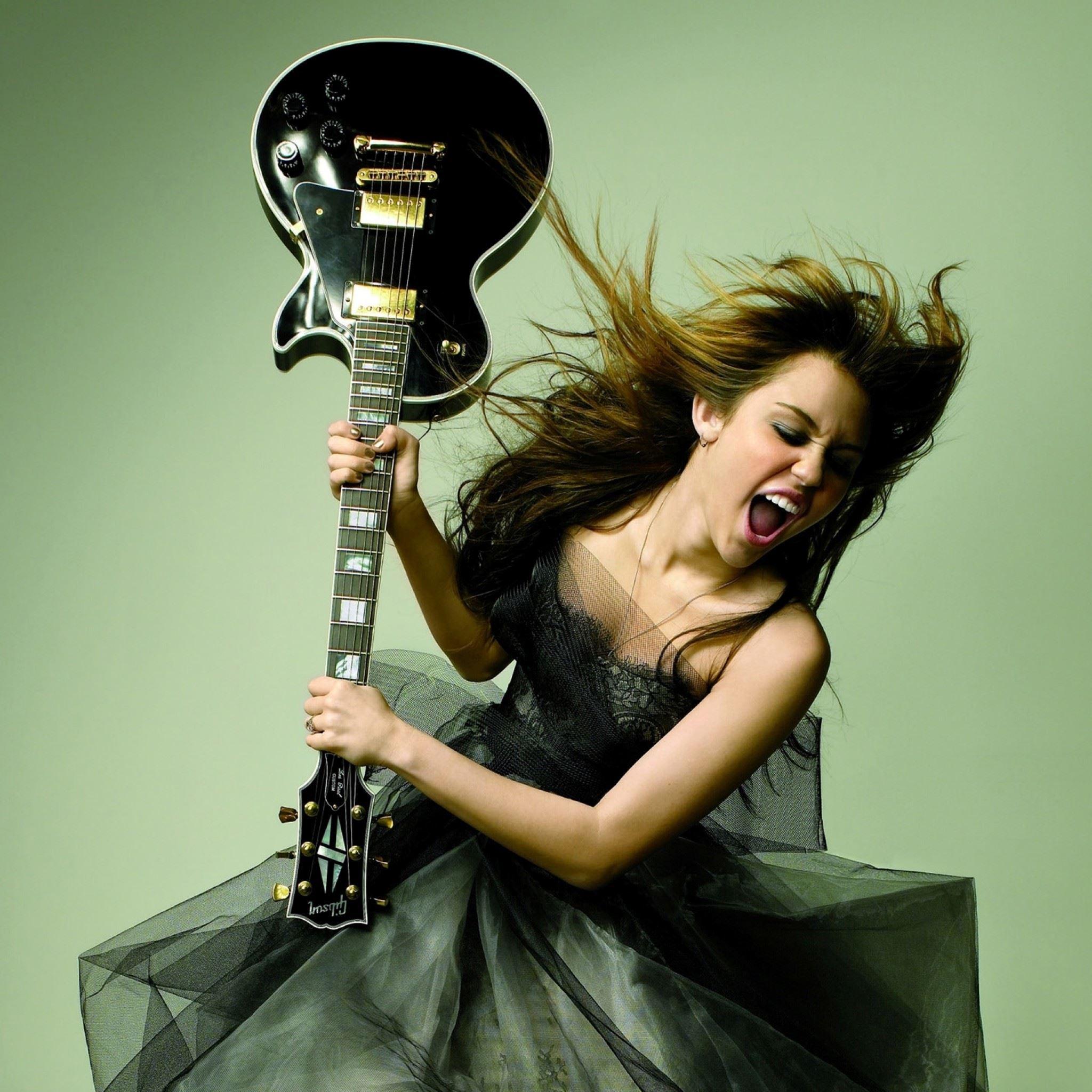 Miley Cyrus Glamour Magazine Photoshoot IPad Air