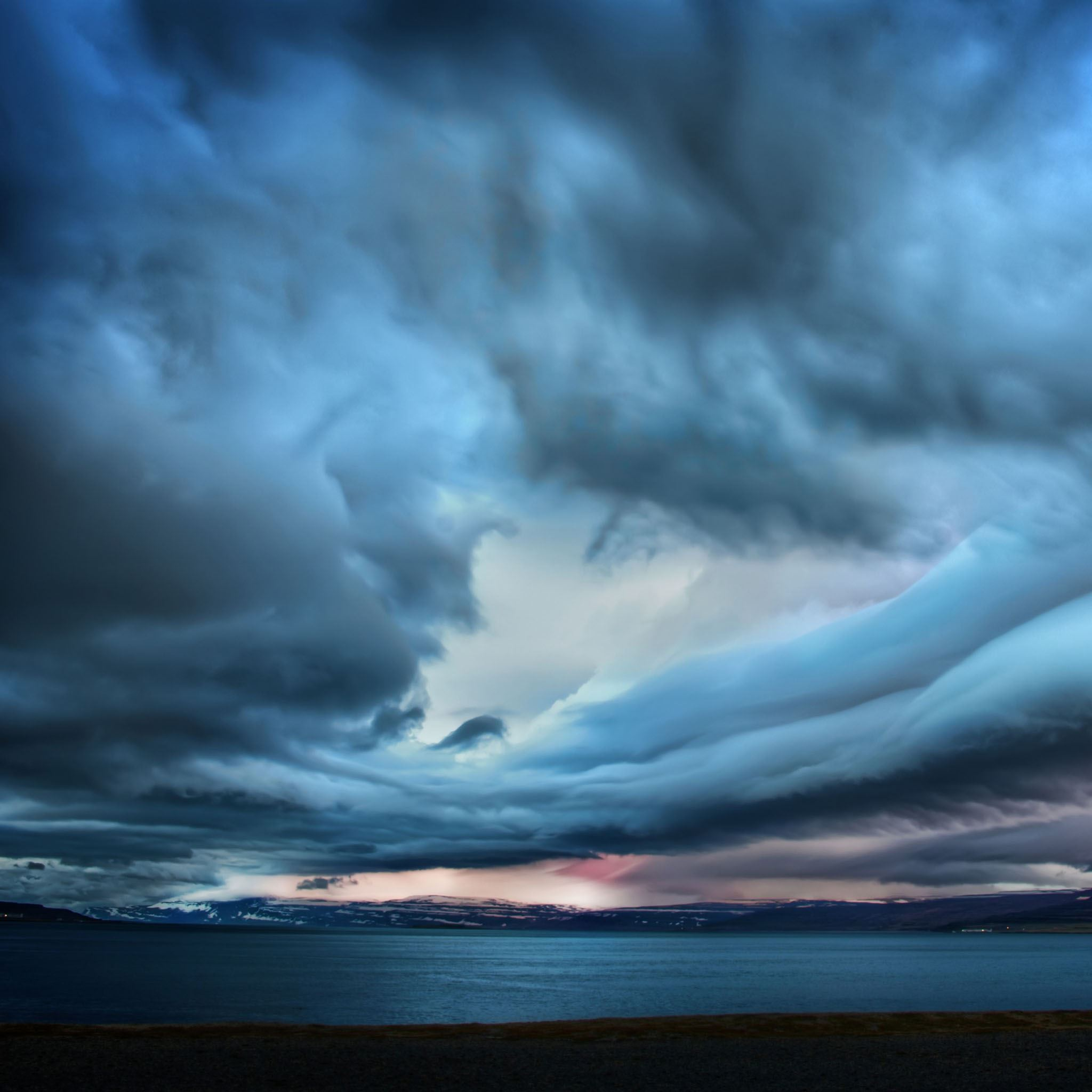 Storm over paradise iPad Air wallpaper