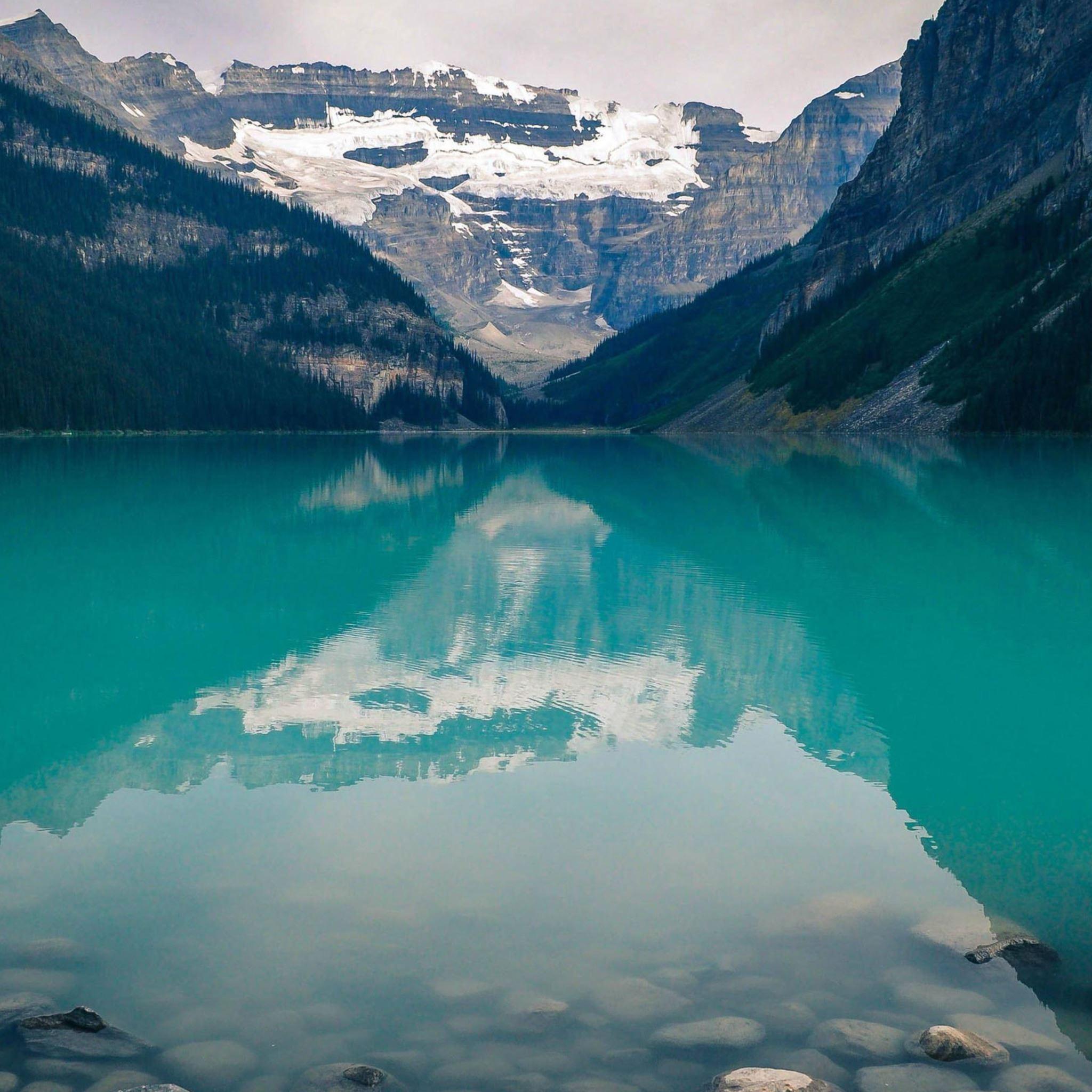 Lake Louise Canada iPad Air wallpaper