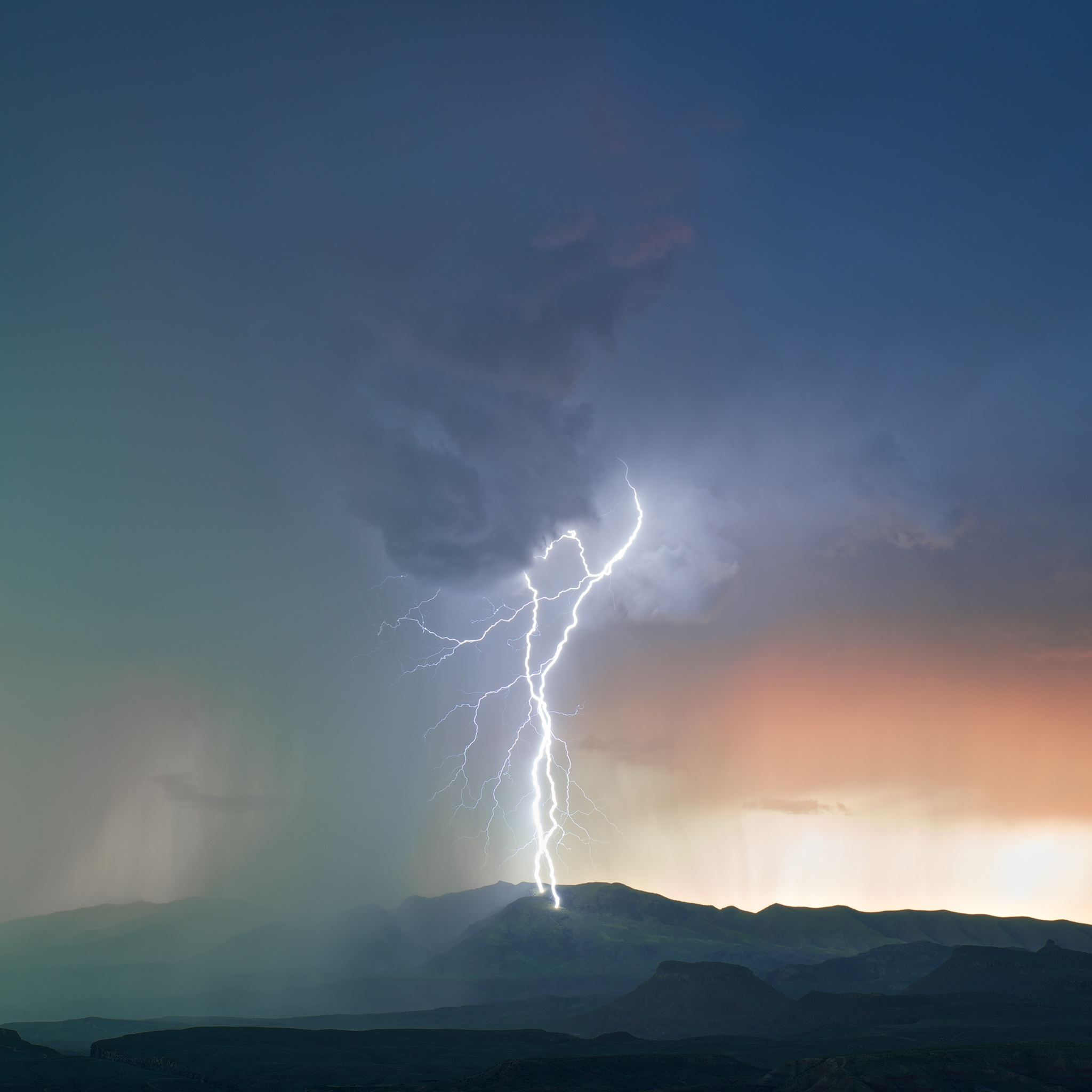 Mountain Struck By Lightning iPad Air wallpaper