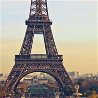 Eiffel Tower iPad wallpaper