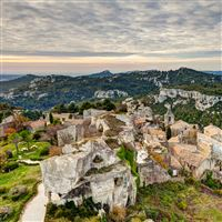Les Baux de Provence iPad wallpaper