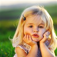 Lovely Little Girl iPad Air wallpaper