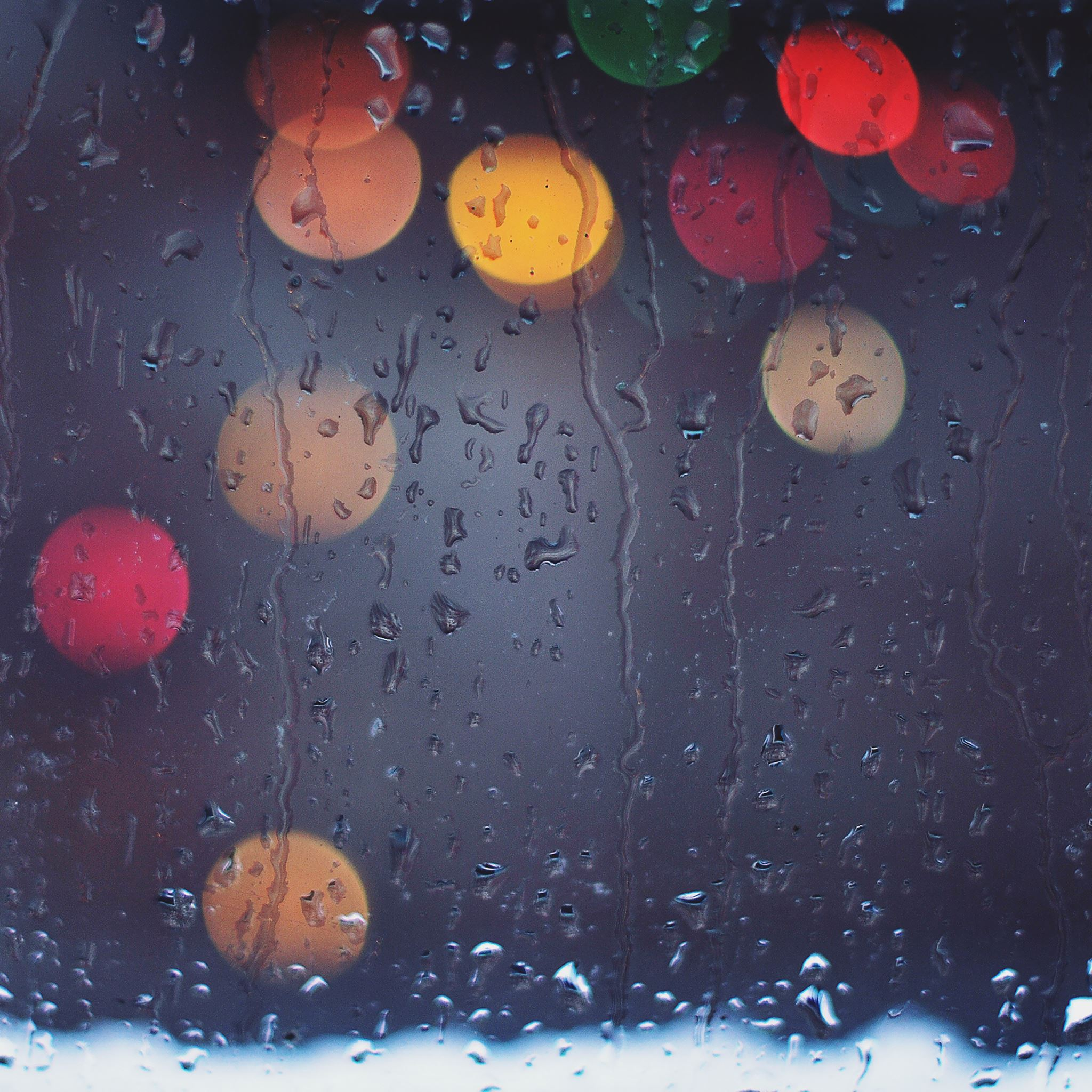 Rainy Bokeh iPad Air wallpaper