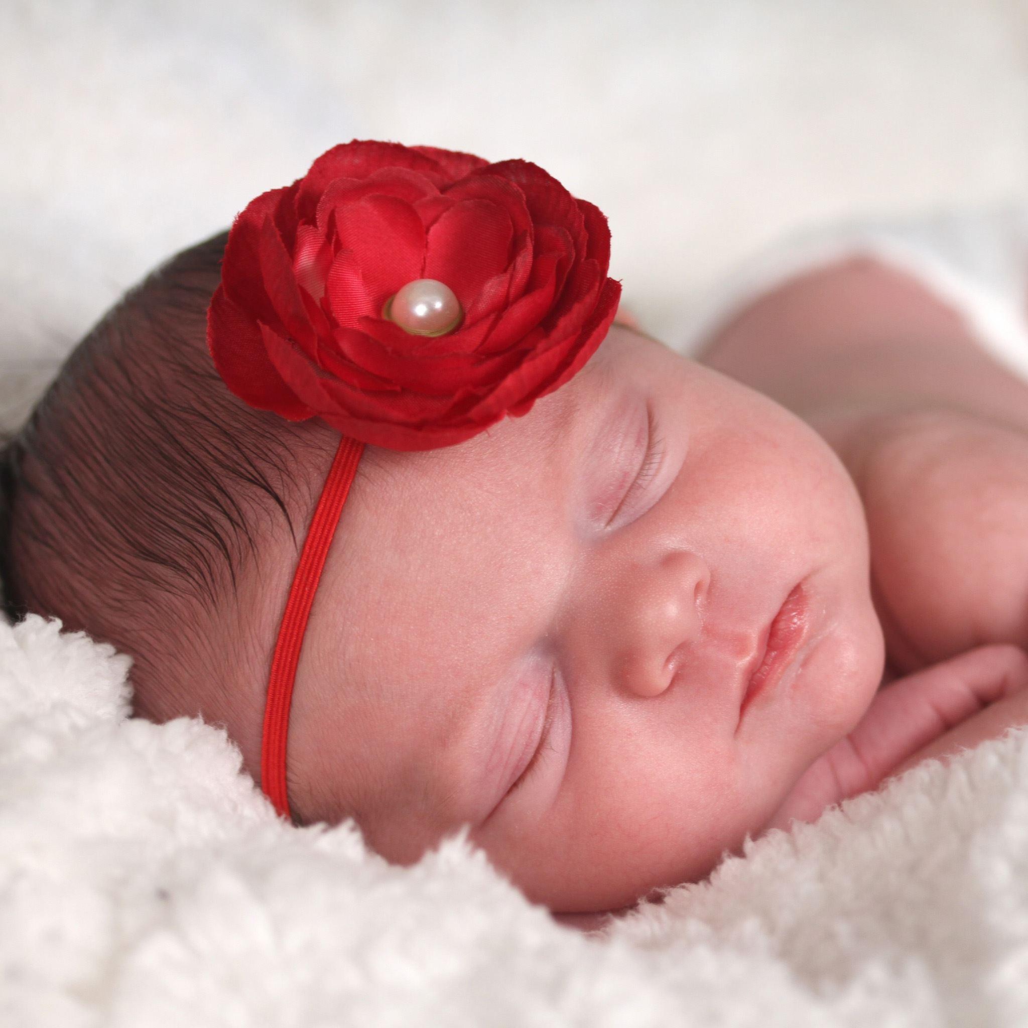 Newborn Baby Sleeping Ipad Wallpapers Free Download
