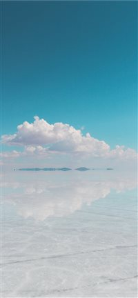 Uyuni Salt Flat  Bolivia iPhone 11 wallpaper