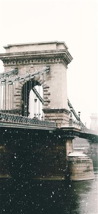 Chain Bridge   Budapest iPhone 11 wallpaper