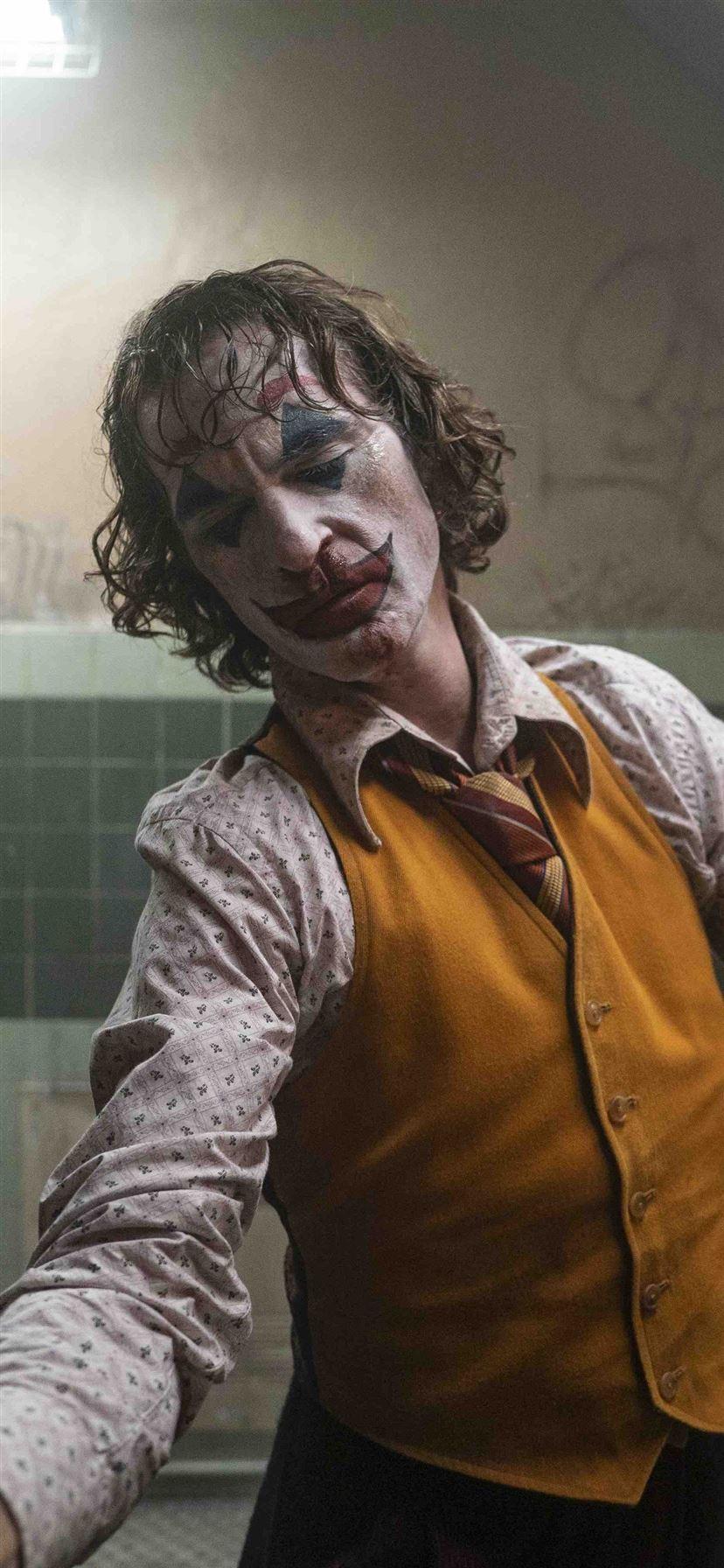 The Joker Joaquin Phoenix 5k Iphone 11 Wallpapers Free Download