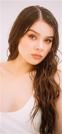 hailee steinfeld 2020 4k iPhone 11 wallpaper
