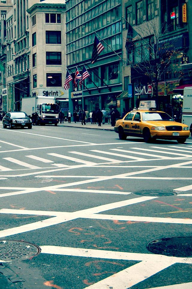 New York City Street IPhone 4s Wallpaper