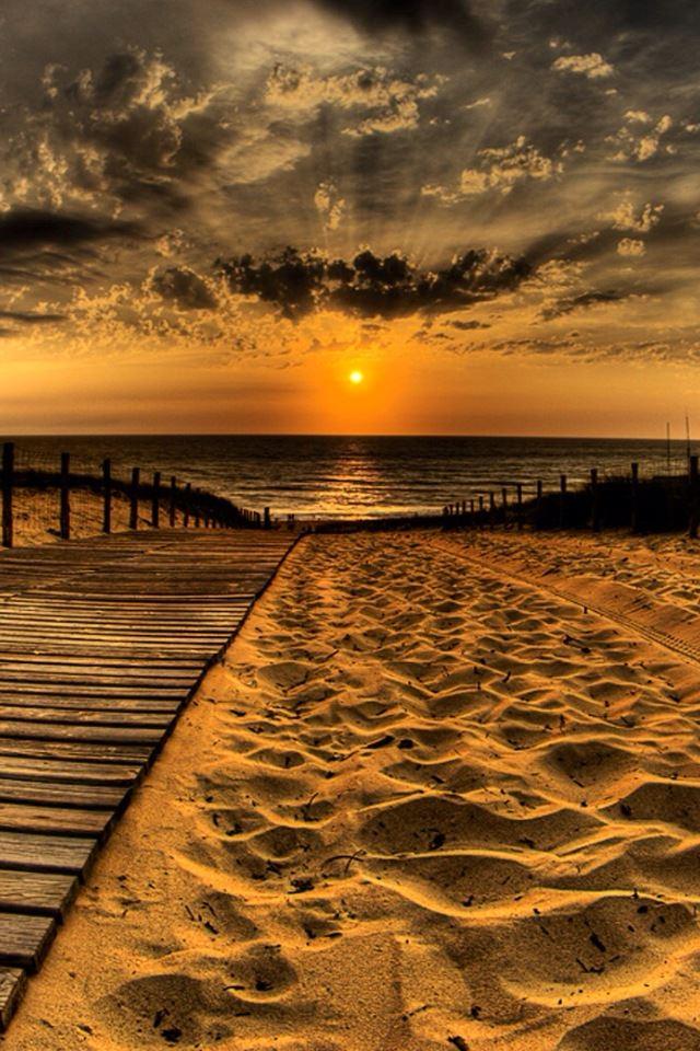 Beach sunset iPhone 4s wallpaper