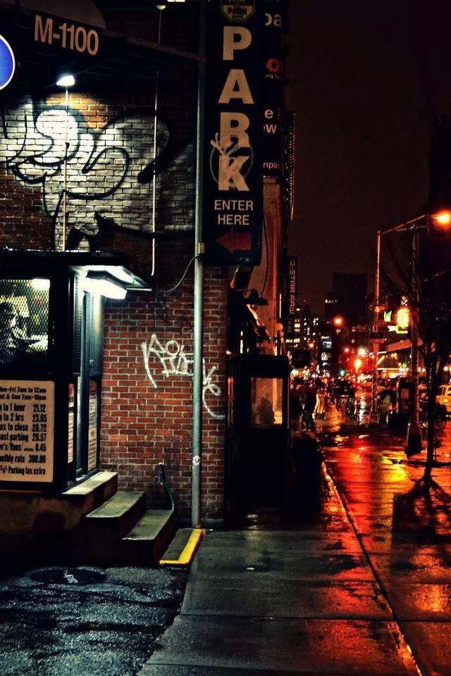 Street Corner IPhone 4s Wallpaper