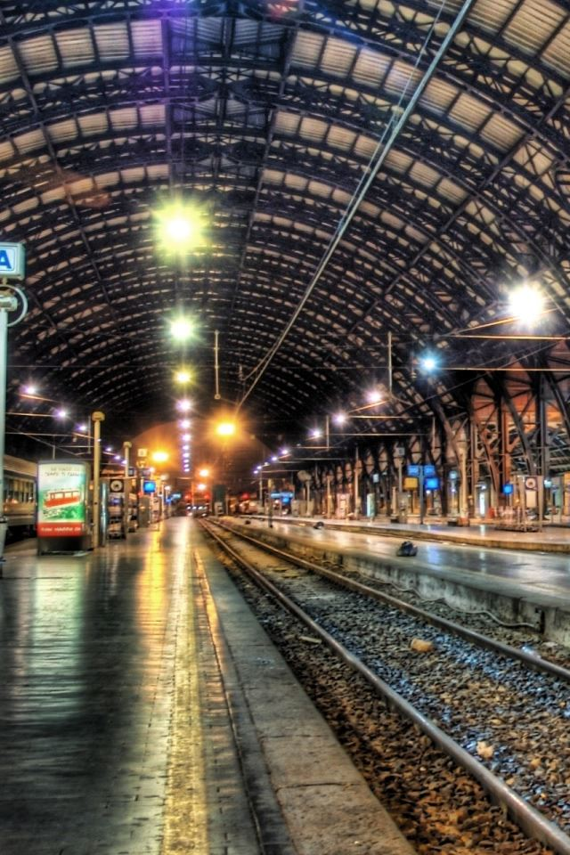 Inside A Train Station Iphone 4s Wallpapers Free Download