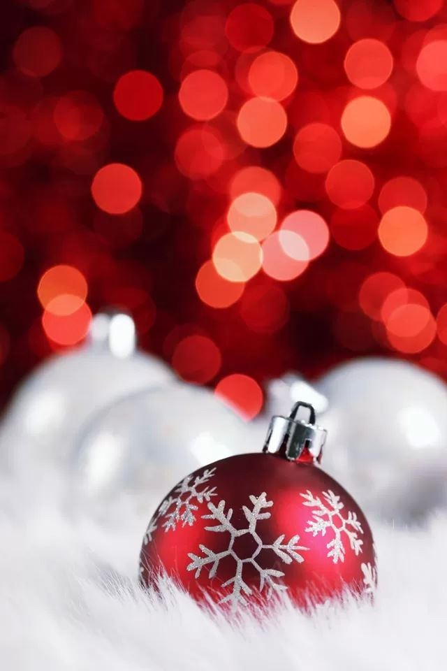 Christmas balls iPhone 4s wallpaper