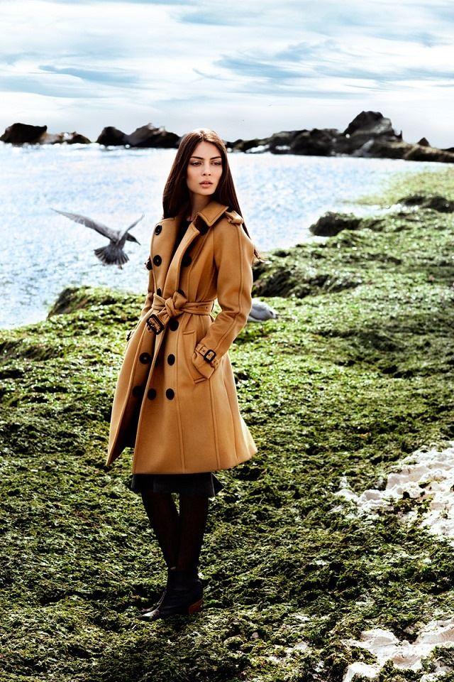 Fashion Girl iPhone 4s wallpaper
