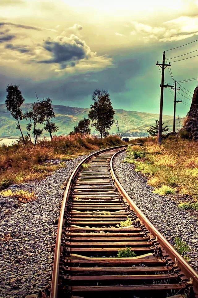 Railway track iPhone 4s wallpaper