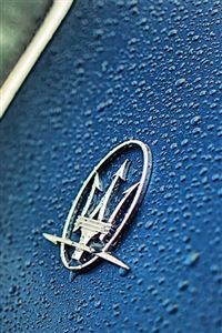 Maserati car logo iPhone 4s wallpaper