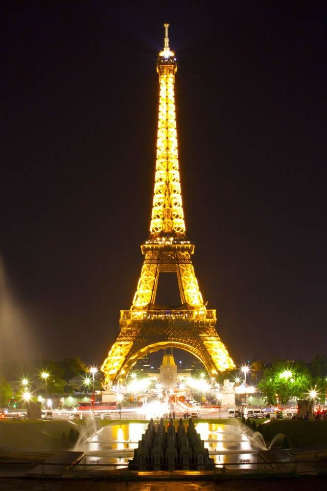 Eiffel Tower Paris Night iPhone 4s wallpaper