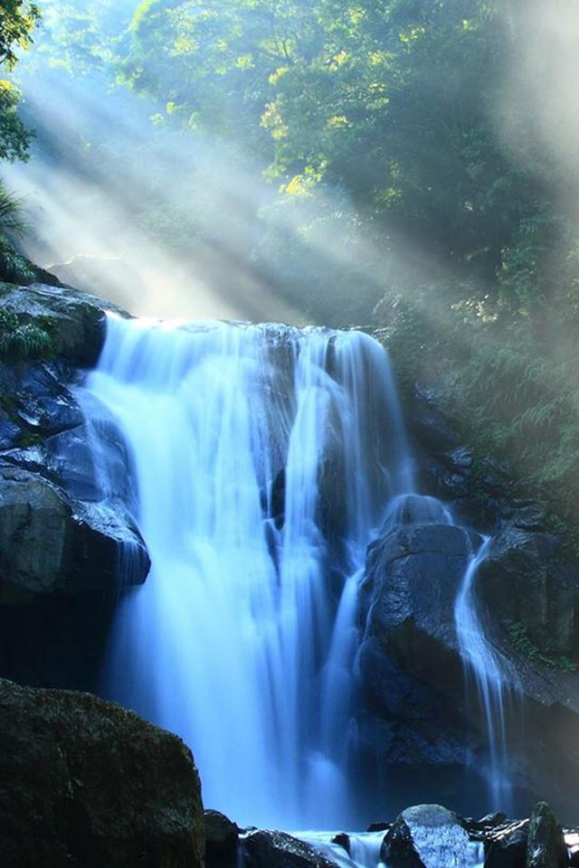 Nature fantasy waterfall under sunlight iphone 4s - I phone fantasy wallpapers ...