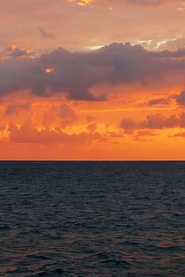 Blue Beach at dusk iPhone wallpaper