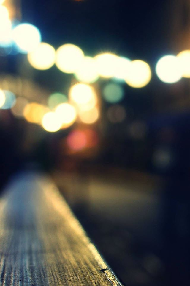 Bokeh Night Siren Lights City View iPhone 4s wallpaper