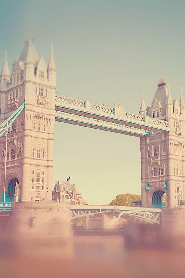 England Tower Bridge Bokeh iPhone 4s wallpaper