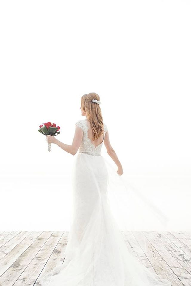 Beautiful Wedding Dress Photography iPhone 4s wallpaper