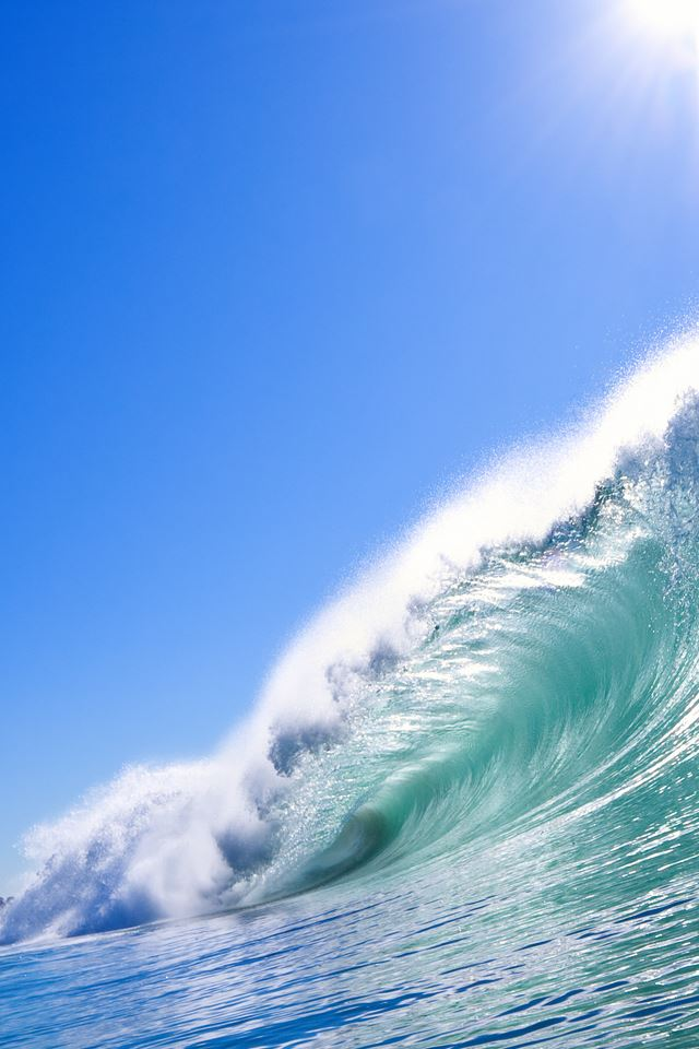 Curling Wave iPhone 4s wallpaper