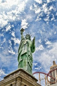 Statue of Liberty Vegas iPhone 4s wallpaper
