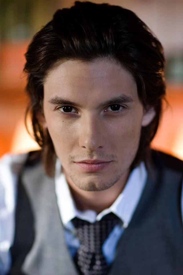 Ben Barnes iPhone 4s wallpaper