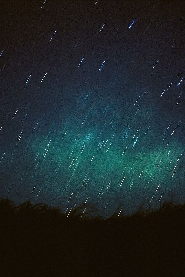 Meteor Shower Iphone 4s Wallpapers Free Download