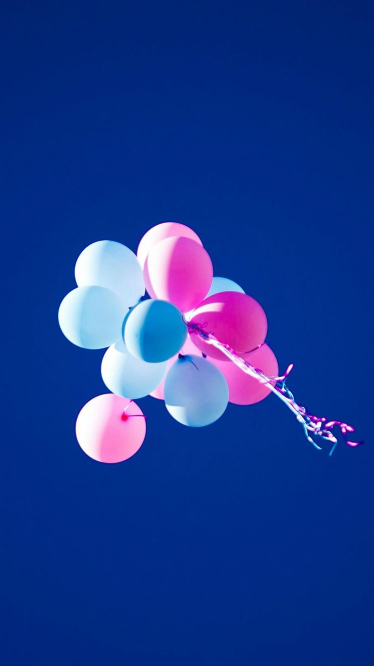 Flying Balloons In Blue Sky Iphone 8 Wallpapers Free Download