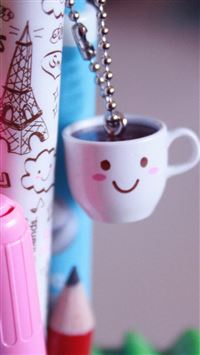 Lovely Little Cup Toy iPhone 6(s)~8(s) wallpaper