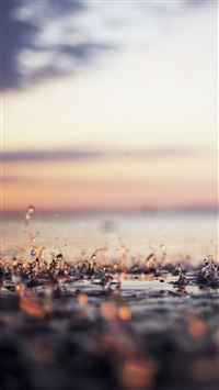 Falling Raindrops Macro iPhone 6 wallpaper