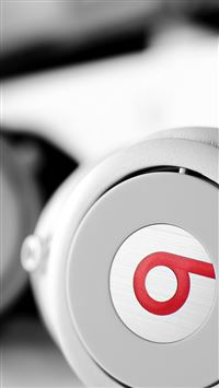 White Beats Headphones  iPhone 6(s)~8(s) wallpaper