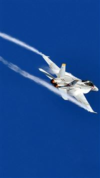 Military Aircraft In High Sky iPhone 6(s)~8(s) wallpaper