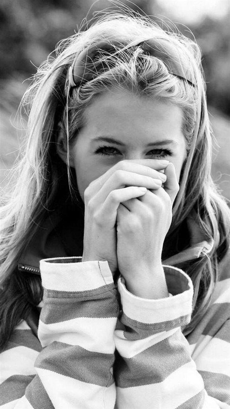 Dark Cute Sweet Smile Girl Macro Iphone 8 Wallpapers Free Download