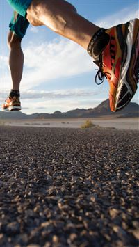 Running Hard On Road Sport Fashion iPhone 6(s)~8(s) wallpaper