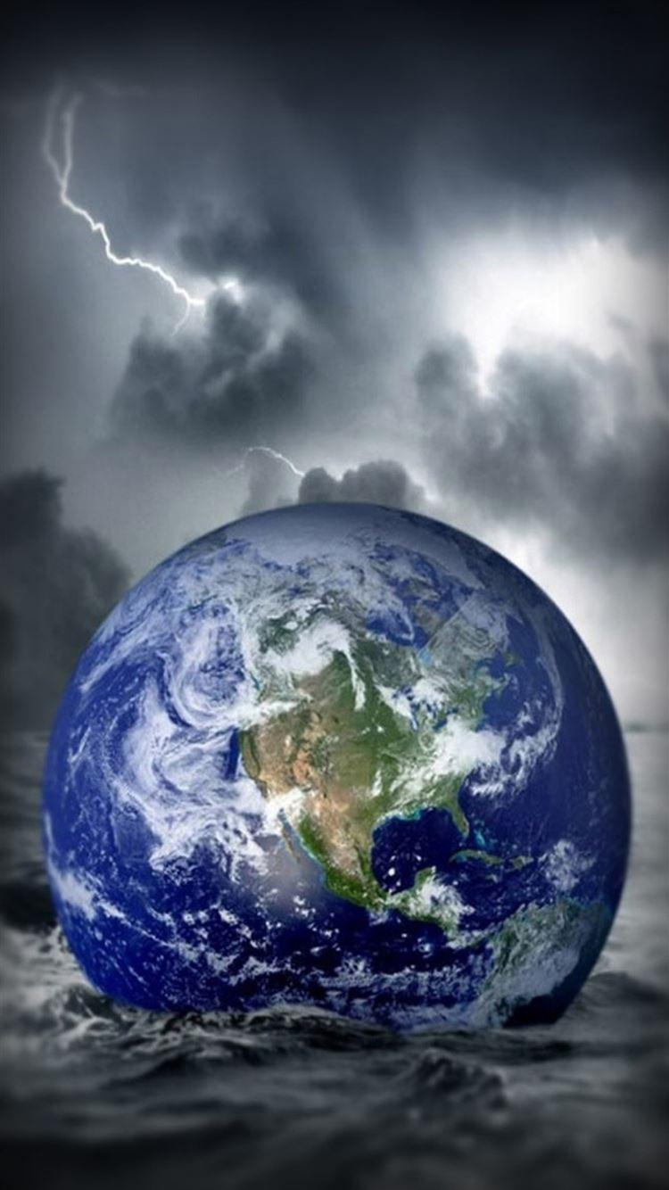 Fantasy Globe Earth Fall In Ocean Storm Iphone 8 Wallpapers