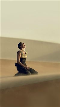 Madmax Furiosa Charlize Theron Film iPhone 6(s)~8(s) wallpaper